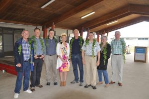 We did not expect to be welcomed by Miss Niue